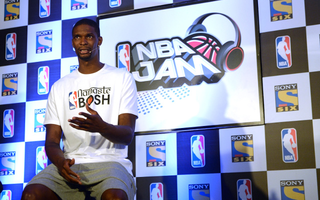 (Video) See Chris Bosh as an 8-foot-tall, basketball-playing velociraptor