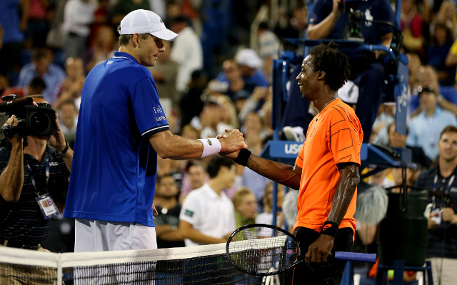 (Video) John Isner overcomes Gael Monfils and hometown crowd at US Open