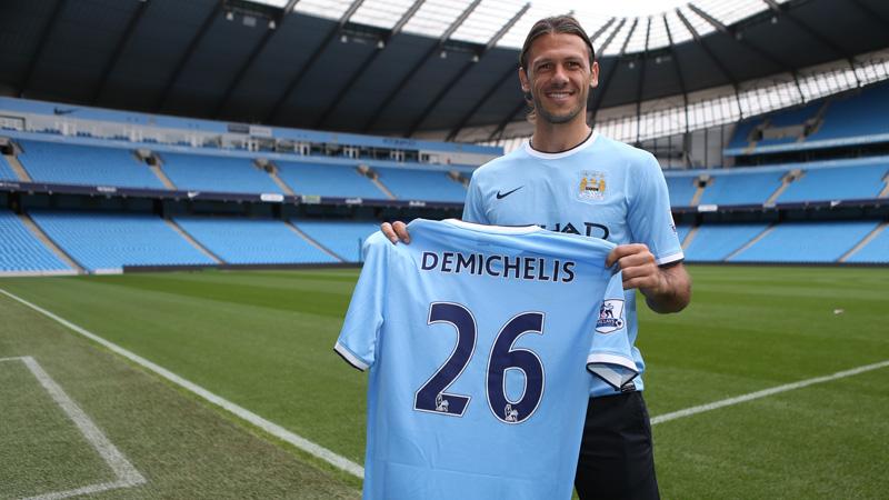 Demechellis signing pic2
