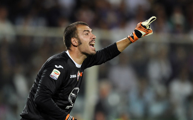 Italian international keeper flies to the Emirates to seal Arsenal deal