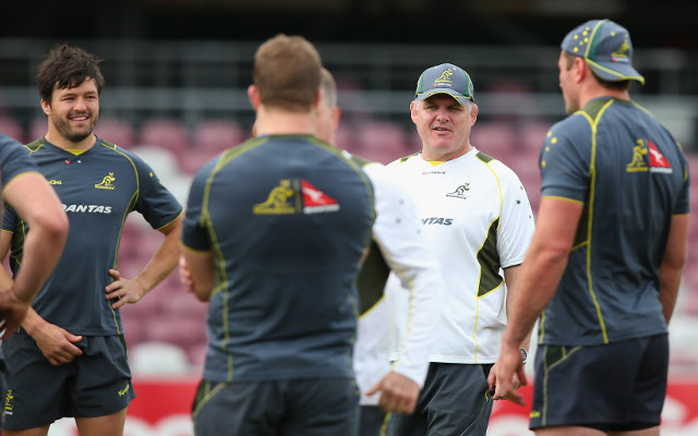 Graham Henry supports Wallabies coach in spite of poor start