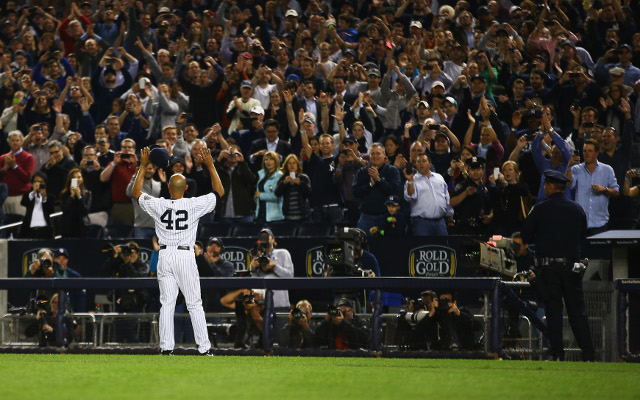 Mariano Rivera says goodbye to New York Yankees fans