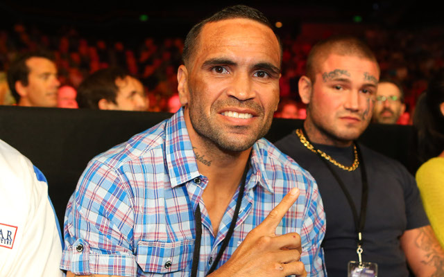 "Jeff Fenech says Anthony Mundine belongs in ""hall of shame"""