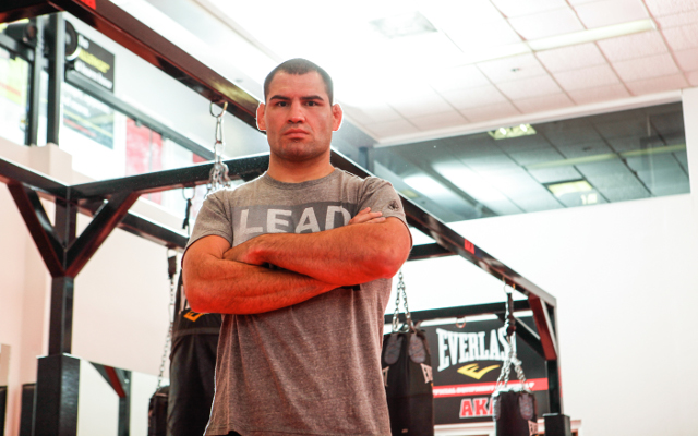 (Video) UFC 166 open workout: Junior dos Santos v Cain Velasquez