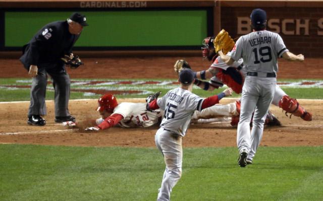 (Video) Bizarre call hands St Louis Cardinals game three win