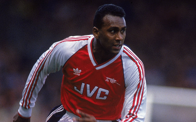 (Images) Arsenal fans pay tribute to former midfielder David Rocastle on 14th anniversary of his death