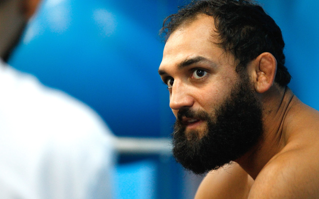 (Video) Johny Hendricks makes weight for UFC 171 despite a late scare