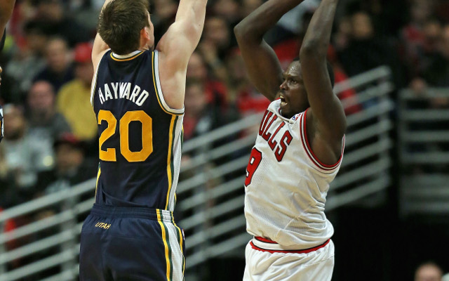 (Video) NBA highlights: Luol Deng dunks on Gordon Hayward