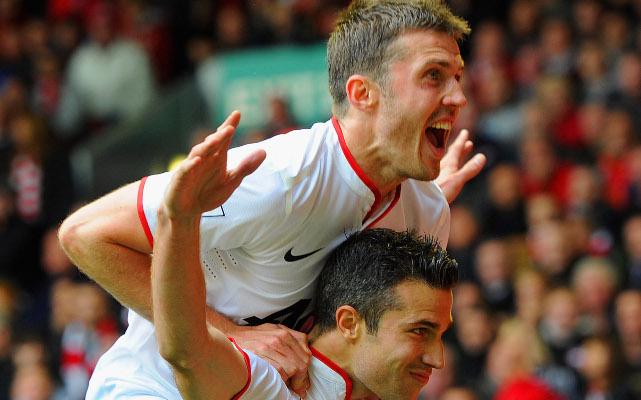 Michael Carrick Robin Van Persie Manchester United