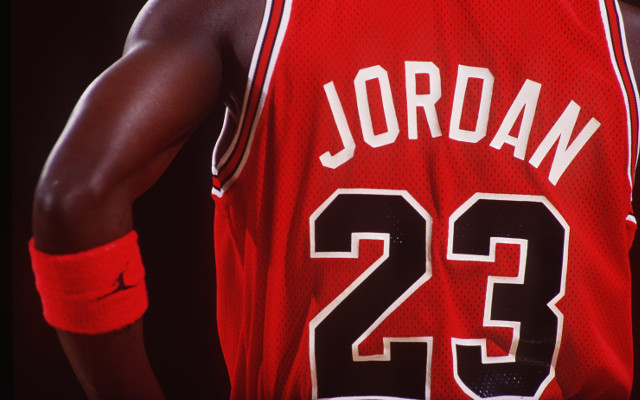 Michael Jordan becomes the second billionaire in world sport