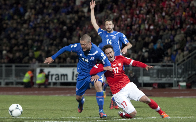 World Cup play-off: Iceland's Sigurdsson has never heard of Croatia striker Mario Mandzukic