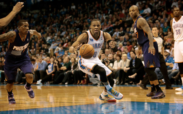 Russell Westbrook make his return from knee injury for Thunder