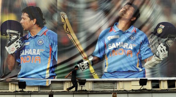 """Fans hail Sachin Tendulkar as a """"one in a billion"""" player"""
