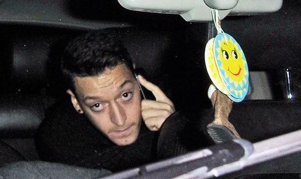 Mesut Ozil clubbing