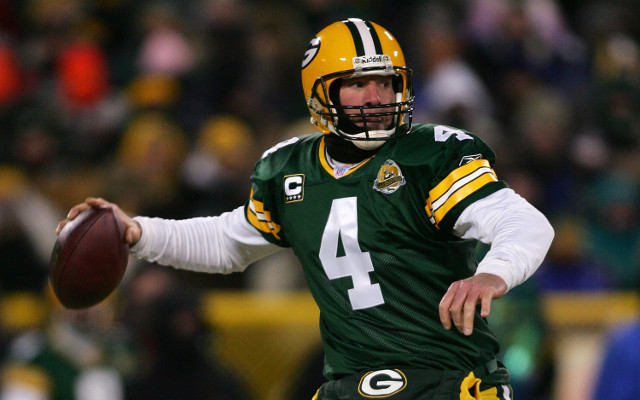 Green Bay Packers to retire Brett Favre's jersey on Thanksgiving