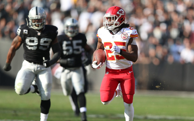 (Video) NFL highlights: Jamaal Charles helps Kansas City Chiefs beat Oakland Raiders