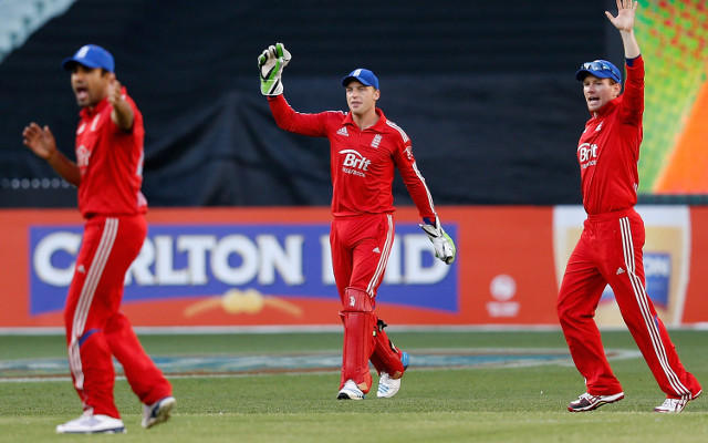 "(Video) See Jos Buttler's ""not out"" catch from the bat of David Warner"