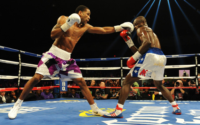 Lamont Peterson beats Dierry Jean in unanimous decision for IBF light-welterweight title
