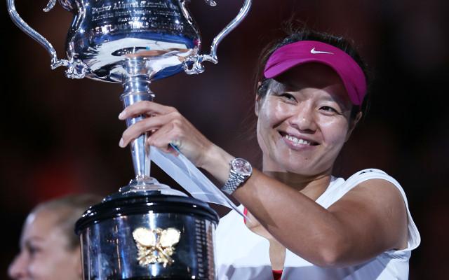 Li Na beats Dominika Cibulkova in straight sets to win Australian Open tennis title