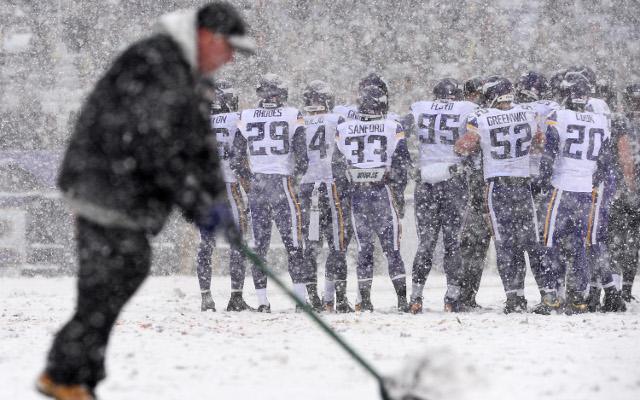 Super Bowl 2014 news: Snow and rain tipped for Seahawks v Broncos clash