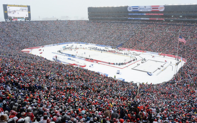 Toronto beat Detroit 3-2 in front of 105,491 people in annual Winter Classic
