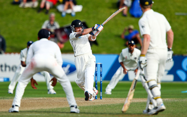 (Video) Brendon McCullum scores 281 against India in second Test match