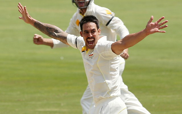 South Africa v Australia: 1st test match day two, Mitchell Johnson takes three early wickets