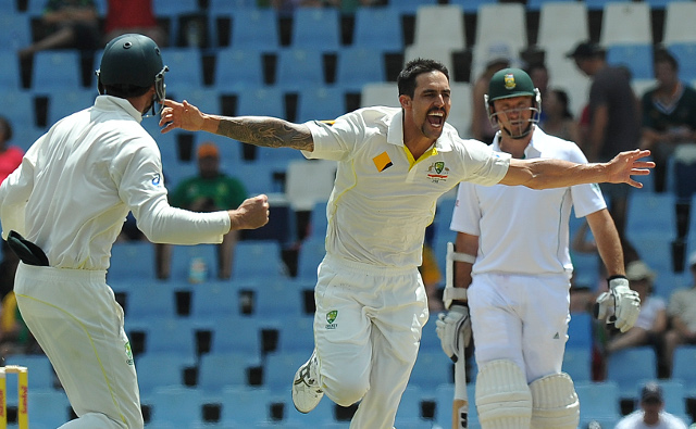 Mitchell Johnson strikes early in South Africa's second innings