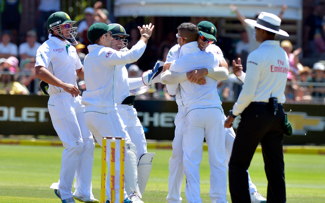 South Africa v Australia live score update: Home side claims vital wickets on day three
