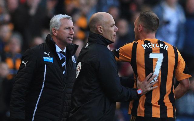 (Video) Alan Pardew headbutts David Meyler in 4-1 win over Hull