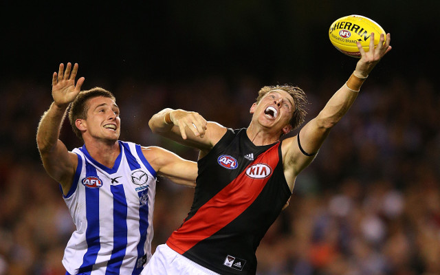 (Video) Essendon AFL star Brendon Goddard punches team-mate Ben Howlett in loss to Cats