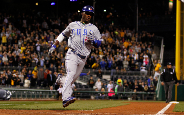 Junior Lake makes a rookie mistake by wearing wrong Chicago Cubs uniform