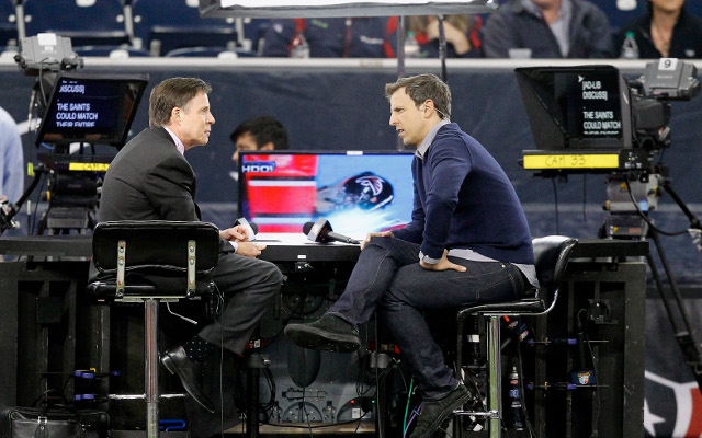 (Video) Bob Costas leaves MLB live call mid-inning to go to the toilet