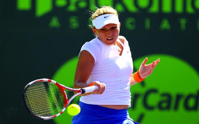 (Video) Tennis romance as Michaella Krajicek accepts Martin Emmrich's on-court marriage proposal