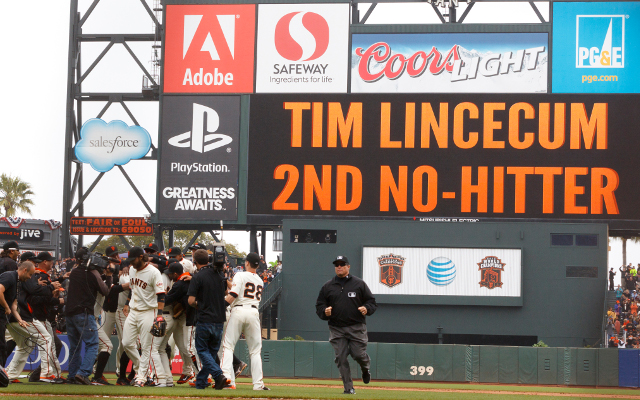 Tim Lincecum pitches a no-hitter in Giants' win over Padres
