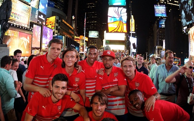 (Image) Arsenal players pose at Times Square on tour of New York