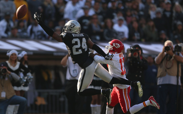 Charles Woodson shows he's ready for Raiders season