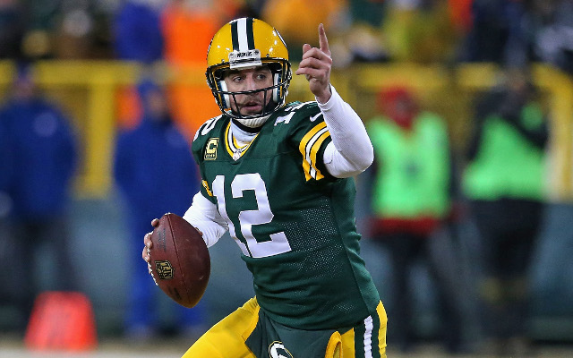Jay Cutler, Aaron Rodgers among finalists for Walter Payton Man of the Year award