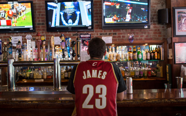 LeBron James has best-selling NBA jersey, Chicago Bulls are top-selling team