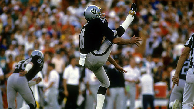 Former Oakland Raider Ray Guy becomes first Hall of Fame Punter