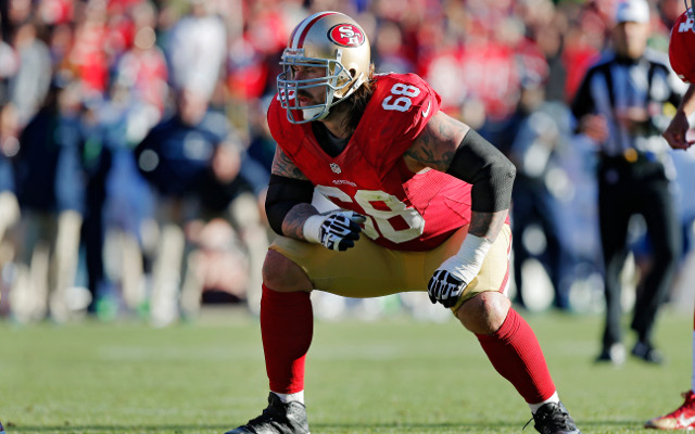 San Francisco 49ers right guard leaves field with apparent knee injury