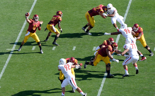 #15 USC defeats Fresno State, 52-13