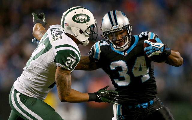 New York Jets cornerback leaves practice with apparent ankle injury