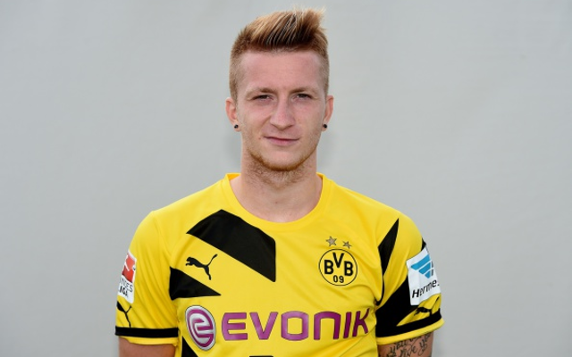 (Video) Borussia Dortmund star Marco Reus rejects hug from Bayern's Robert Lewandowski