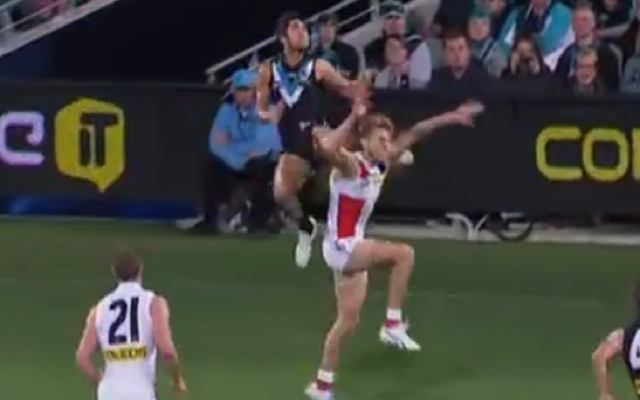 (Video) Port Adelaide young-gun wins AFL Mark of the Year after huge grab against St Kilda Saints