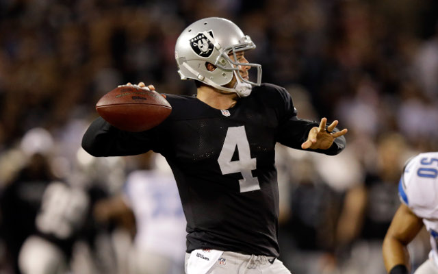 Oakland Raiders name Derek Carr starting quarterback