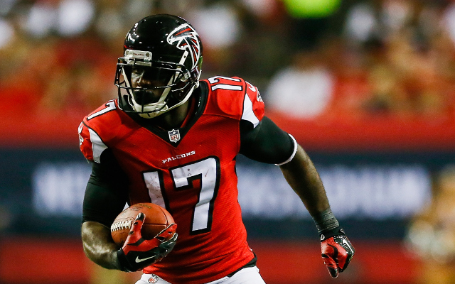 (Video) Falcons WR Devin Hester high-steps before scoring record-breaking TD
