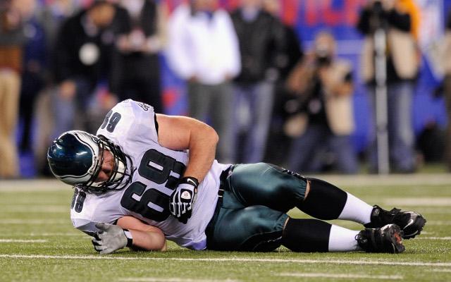 Philadelphia Eagles lose two offensive linemen to injury