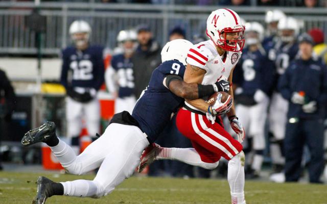 (Video) Amazing catch by Nebraska WR Jordan Westerkamp negated by penalty