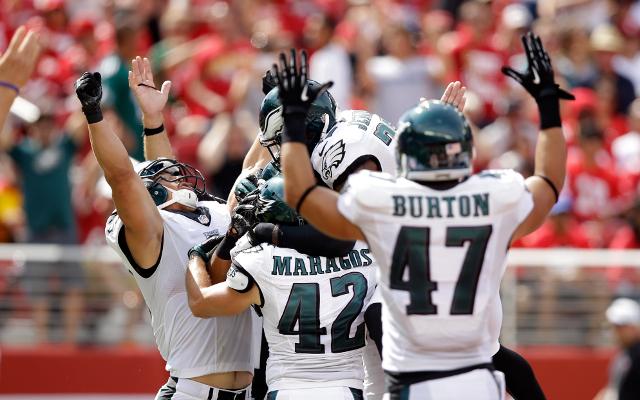 (Video) Philadelphia Eagles block San Francisco 49ers punt and score TD